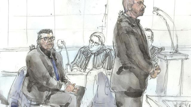 Croquis d'audience montrant les deux policiers Antoine Q. (g) et Nicolas R. lors de leur procès, le 14 janvier 2019 au palais de justice de Paris [Benoit PEYRUCQ / AFP]
