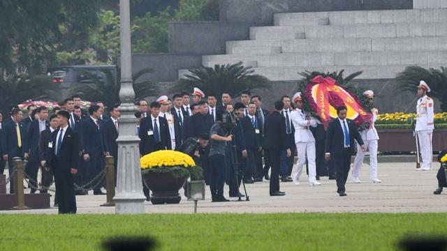 North Korean leader Kim Jong Un visits the Ho Chi Minh mausoleum in Hanoi.  [Noel CELIS / AFP]