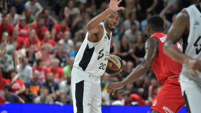 Le joueur de Villeurbanne Demarcus Nelson (c) lors de la victoire en finale du championnat de France de basket le 25 juin 2019 [ROMAIN LAFABREGUE / AFP]
