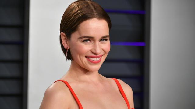 Emilia Clarke a expliqué qu'elle avait subi deux hémorragies cérébrales pendant ses premières années de tournage Game of Thrones.