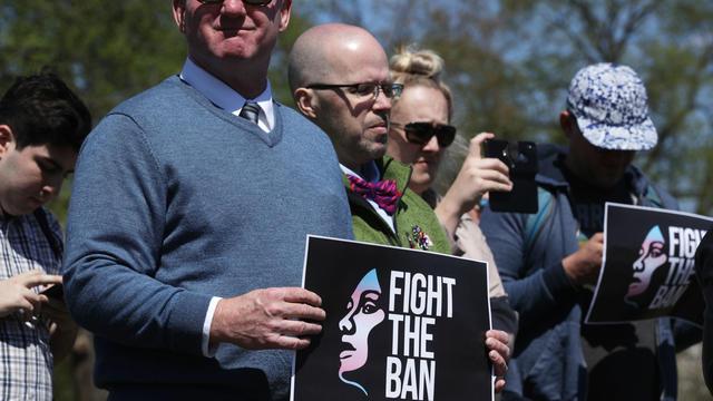 Manifestation contre la limitation des transgenres dans l'armée à Washington