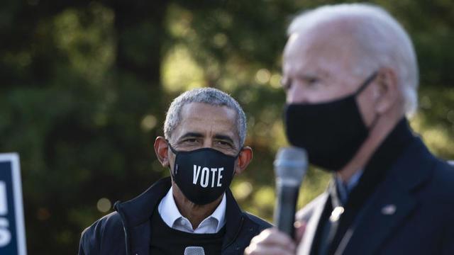 Joe Biden et Barack Obama bientôt réunis pour une cérémonie traditionnelle