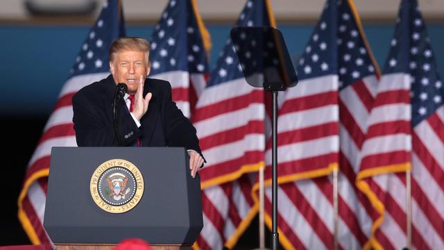 Donald Trump s'agace d'une déclaration du chef du FBI