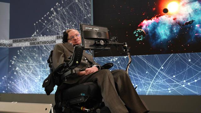 Dans son dernier article scientifique, Stephen Hawking parle des univers multiples
