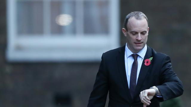 Le ministre britannique en charge du Brexit Dominic Raab, le 29 octobre 2018 au 10 Downing Street à Londres [Daniel LEAL-OLIVAS / AFP]