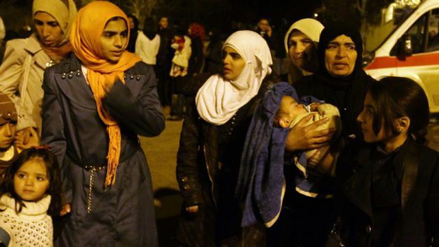 Femmes et enfants regroupés dans les environs de Madaya le 11 janvier 2016 en Syrie [LOUAI BESHARA / AFP]