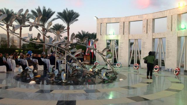 Vue le 3 janvier 2014 à Charm el-Cheikh (Egypte) du mémorial érigé en hommage aux victimes du crash de Flash Airlines en 2004 [STR / AFP/Archives]