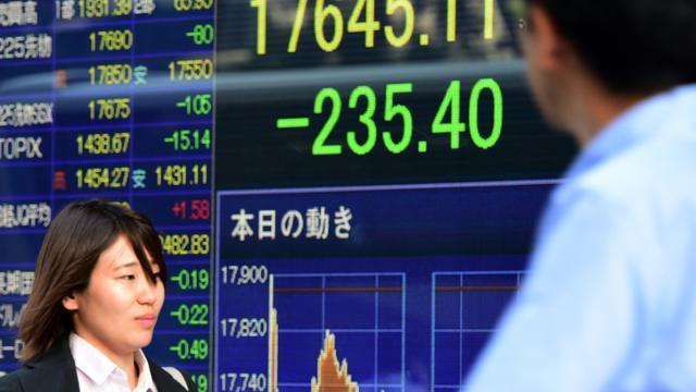Tableau des changes le 28 septembre 2015 à Tokyo [YOSHIKAZU TSUNO / AFP]