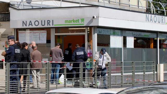 Une épicerie casher de Sarcelles visée par une attaque à la grenade, le 19 septembre 2012 [Joël SAGET / AFP/Archives]