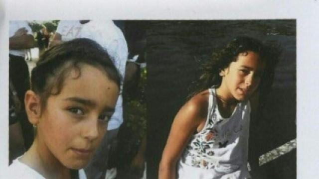 Appel à témoins pour retrouver Maëlys, affichée le 28 août 2017 à Pont-de-Beauvoisin [PHILIPPE DESMAZES / AFP/Archives]