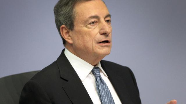 Mario Draghi annonce l'abandon du programme de rachats d'actifs, devant la presse à Francfort-sur-le-Main, en Allemagne, le 13 décembre 2018 [Daniel ROLAND / AFP]