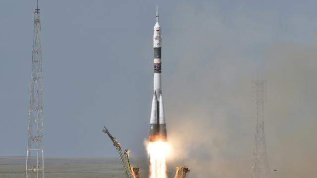 Un vaisseau spatial russe Soyouz décolle de Baïkonour, au Kazakhstan, avec trois astronautes vers la Station spatiale internationale, le 6 juin 2018 [Vyacheslav OSELEDKO / AFP]