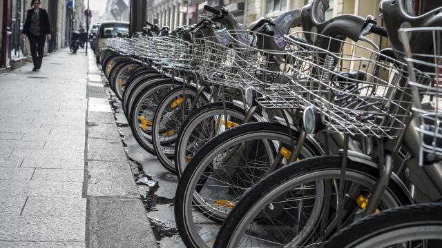 Des Vélib' à Paris [Jean-Philippe Ksiazek / AFP/Archives]