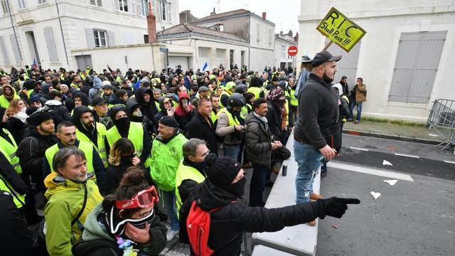 """Manifestation de """"gilets jaunes"""", le 12 janvier 2019 à La Rochelle [XAVIER LEOTY / AFP]"""