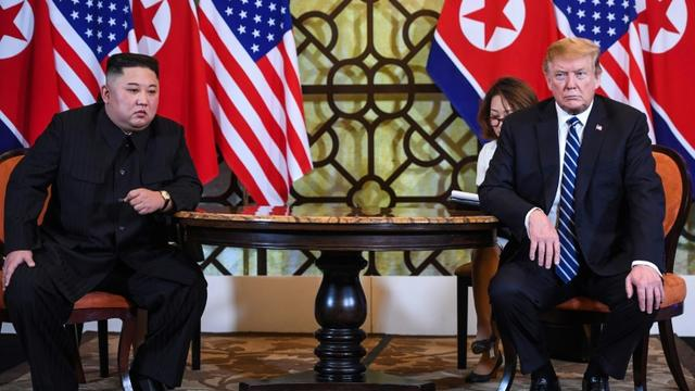 Kim Jong Un et Donald Trump à Hanoï le 28 février 2019 [Saul LOEB / AFP]