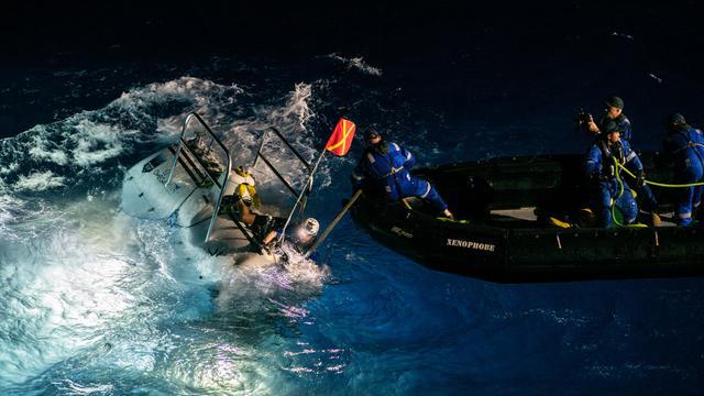 Victor Vescovo est tombé sur un sac plastique au fond de la mer.