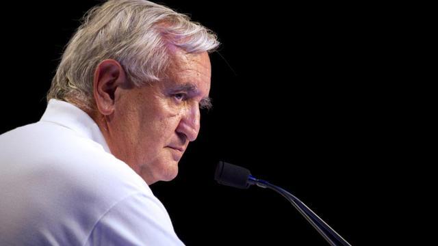 """Jean-Pierre Raffarin craint une """"division"""" des Français sur la question du mariage homosexuel"""