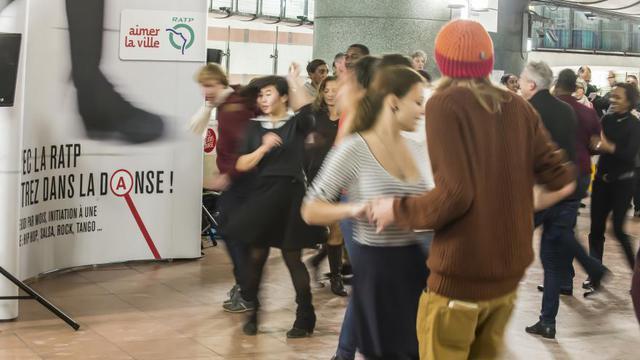 Tous les premiers jeudis du mois, la RATP propose à ses usagers de découvrir une danse et son univers.