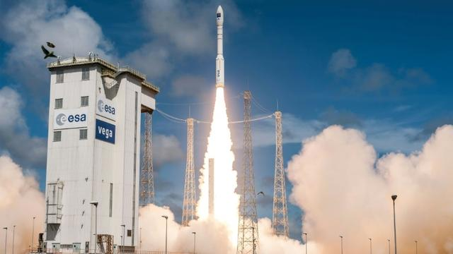 Décollage d'une fusée Vega, le 5 décembre 2016 à Kourou, en Guyane française [Handout / CNES/AFP/Archives]