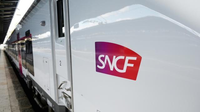 Les cheminots de la SNCF prévoient une grève le 5 décembre 2019 [ERIC PIERMONT / AFP]