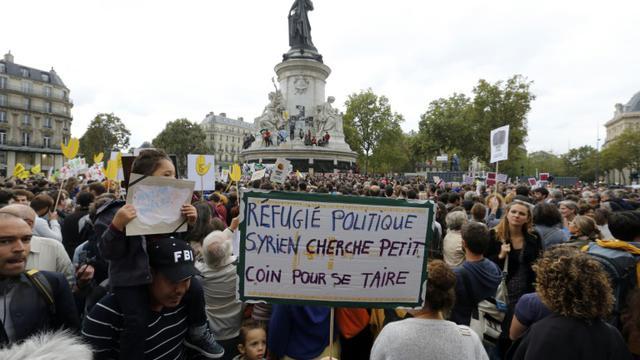 Plusieurs milliers de personnes réunies à Paris pour un rassemblement de soutien aux réfugiés, le 5 décembre 2015  [FRANCOIS GUILLOT / AFP/Archives]