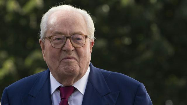 """""""L'élection régionale de décembre peut et doit donner le signal d'alerte en donnant la majorité à la liste de Marion Maréchal-Le Pen"""", a déclaré Jean-Marie Le Pen"""