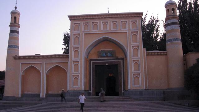 L'entrée de la mosquée de Kashgar dans la région musulmane du Xinjiang en Chine, le 2 aout 2011 [Marianne Barriaux / AFP/Archives]