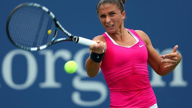 L'Italienne Sara Errani, tête de série N.6, est devenue mercredi la première Italienne à se qualifier pour les demi-finales de l'US Open (ère Open) en battant sa compatriote, meilleure amie et partenaire de double Roberta Vinci (N.20) 6-2, 6-4 en seulement 1h12[GETTY IMAGES NORTH AMERICA]