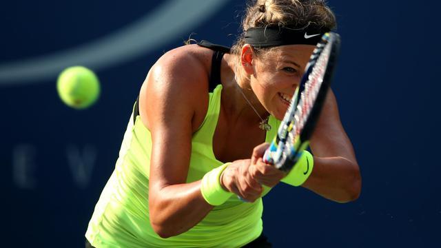 Victoria Azarenka, N.1 mondiale, s'est qualifiée vendredi pour la finale de l'US Open en dominant la Russe Maria Sharapova, tête de série N.3, sur le score de 3-6, 6-2, 6-4 [GETTY IMAGES NORTH AMERICA]