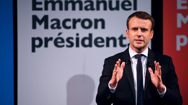 Le candidat Emmanuel Macron en campagne au Théâtre Antoine à Paris, le 8 mars 2017 [Eric FEFERBERG / AFP/Archives]