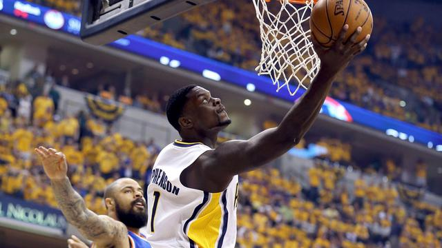 Lance Stephenson, des Indiana Pacers, au shoot face aux New York Knicks en demi-finale de conférence Est des play-offs NBA, le 18 mai 2013 à Indianapolis [Andy Lyons / Getty Images/AFP]