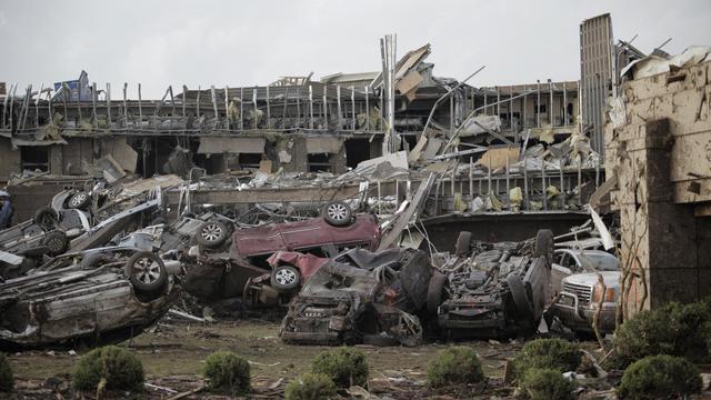 Dégâts après le passage d'une tornade à Moore, dans la banlieue d'Oklahoma City (Etats-Unis), le 20 mai 2013