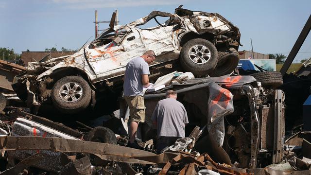Des débris photographiés le 21 mai 2013 à Moore, après la tornade [Scott Olson / Getty Images/AFP]