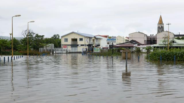 Vue partielle de la ville de Rivière Pilote après les fortes pluies de la nuit du 04 au 05 mai 2009 [Patrice Coppee / AFP/Archives]