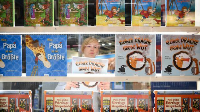 Des livres pour enfants exposés lors de la Foire aux livres de Francofrt, le 10 octobre 2017 en Allemagne [Arne Dedert / dpa/AFP/Archives]