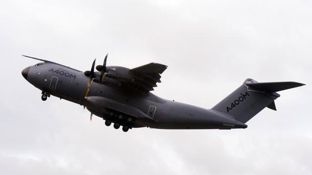 L'avion cargo A400M de l'armée de l'air française, le 30 septembre 2013 à Saint-Jean-de-la-Ruelle, près d'Orléans [Alain Jocard / AFP/Archives]