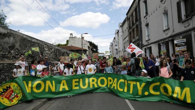 Manifestation contre le projet d'urbanisation EuropaCity d'Auchan le 21 mai 2017 à Gonesse [Thomas SAMSON / AFP/Archives]