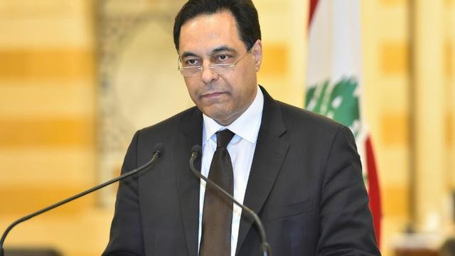 Le Premier ministre libanais Hassan Diab annonce la démission du gouvernement, à Beyrouth le 10 août 2020 [Handout / DALATI AND NOHRA/AFP]