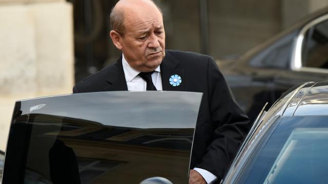 Le ministre français de la Défense Jean-Yves Le Drian. [LIONEL BONAVENTURE / AFP/Archives]