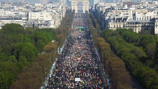 Plus de 41 300 coureurs ont participé à l'édition 2015 du marathon de Paris.