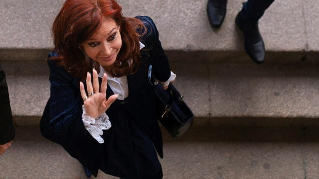L'ex-présidente argentine Cristina Kirchner arrive au Tribunal de Comodoro Py à Buenos Aires, le 21 mai 2019 [CARLOS BRIGO / TELAM/AFP]