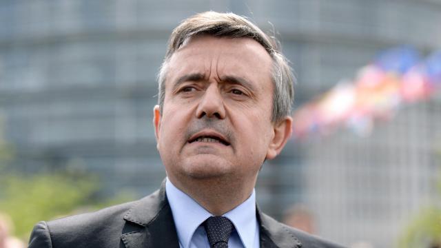 Yves Jego, président par interim de l'UDI (centriste), en face du parlement européen à Stransbourg, le 14 avril 2014 [Patrick Hertzog / AFP/Archives]