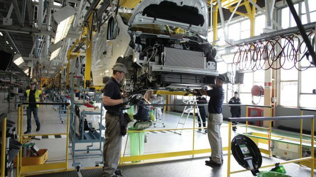 Chaîne de montage à l'usine Renault de Sandouville [Charly Triballeau / AFP]