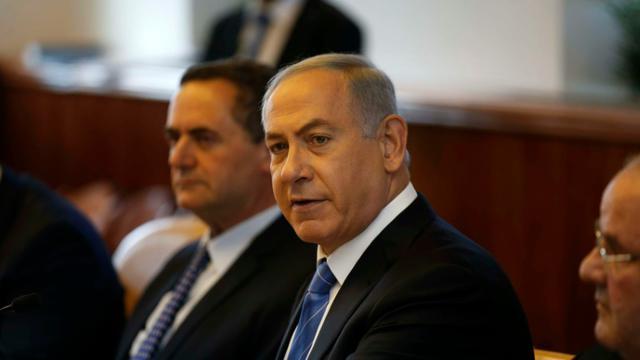 Benjamin Netanyahou préside le conseil des ministres à Jérusalem, le 8 mai 2016 [RONEN ZVULUN / POOL/AFP]