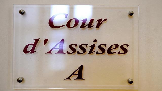 Panneau indiquant l'entrée d'une cour d'assises [Philippe Huguen / AFP/Archives]