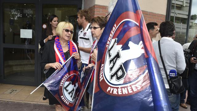 Des supporteurs de Luzenac devant le Tribunal Administratif de Toulouse le 22 août  [Pascal Pavani / AFP]