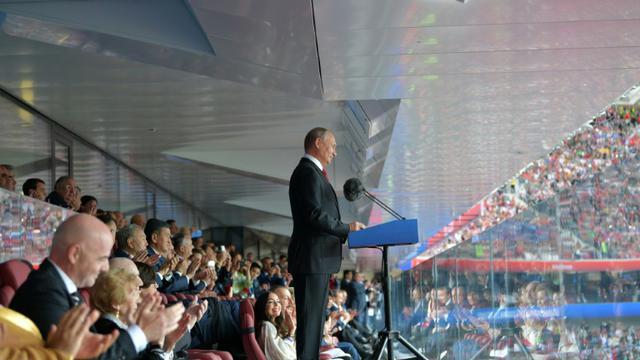 Le président russe Vladimir Poutine fait sa déclaration d'ouverture de la Coupe du monde, le 14 juin 2018 à Moscou  [Alexey DRUZHININ / SPUTNIK/AFP]