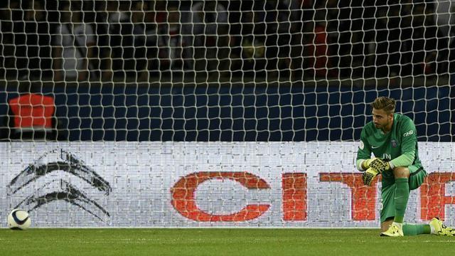 Le gardien allemand du PSG Kévin Trapp, battu par deux fois lors du match de Ligue 1 entre son club et Bordeaux, le 11 septembre 2015 à Paris, au Parc des Princes [FRANCK FIFE / AFP]