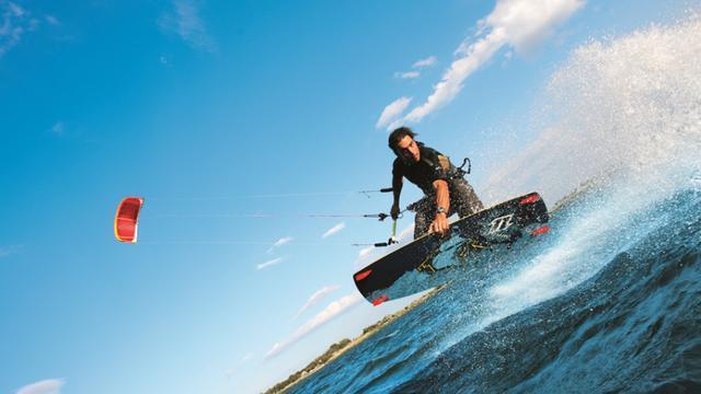 Trois séjours pour découvrir ou progresser en kitesurf