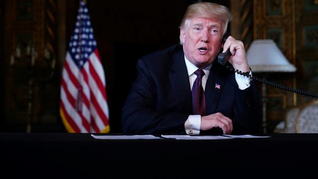Le président américain souhaite un joyeux Thanksgiving aux troupes déployées à l'étranger, le 22 novembre 2018 depuis sa résidence de Mar-a-Lago, en Floride [Mandel NGAN / AFP]
